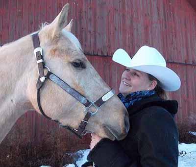 Fifi med en quarterhäst